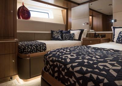 SY Twilight interior sleeping accomodation